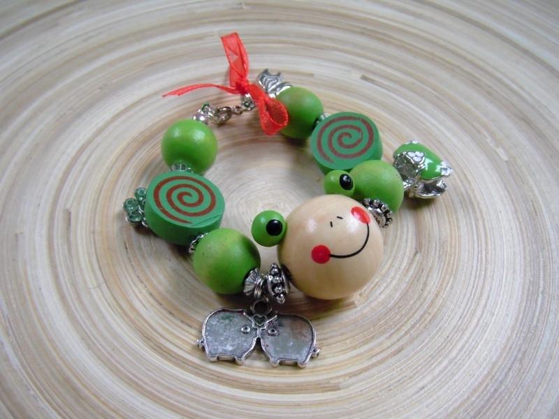Houten armband -groene kikker