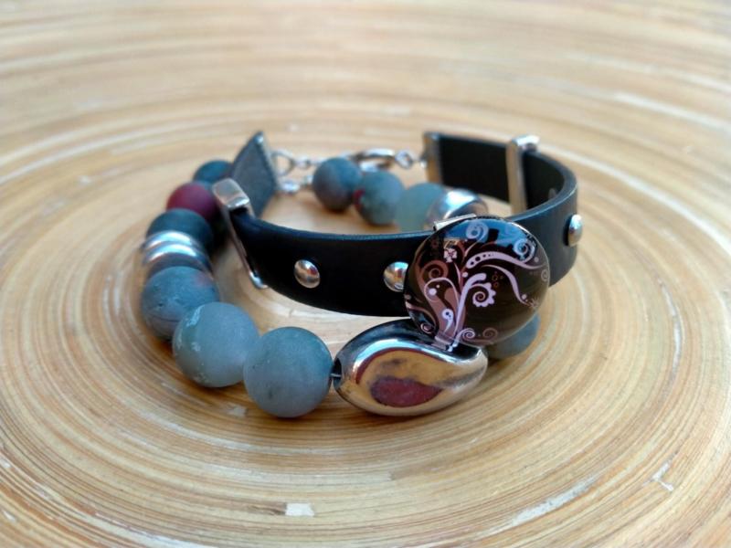 2-delige set armbanden van geruwde natuursteen parels en imitatieleer