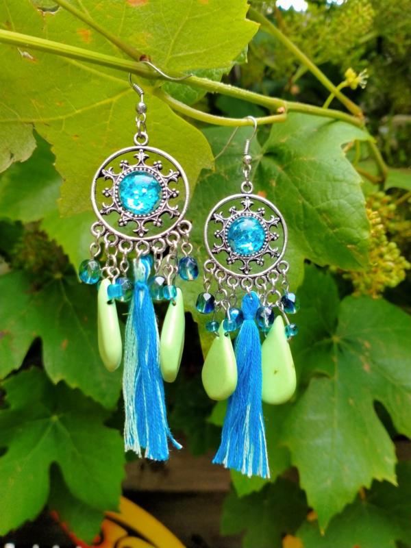 Turquoise/groene oorbellen met keramiek druppels