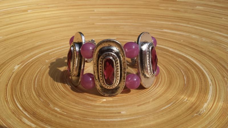 Armband met old-rose/bordeaux glasparels