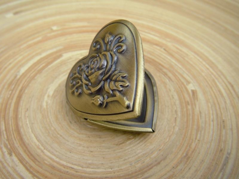 Medaillon in bronskleur