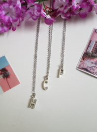 "Letter Ketting ""Let Me Introduce Myself"""