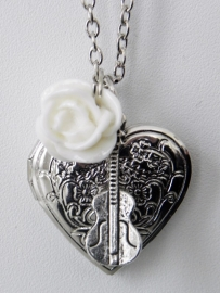 "Medaillon Ketting ""Music Was My First Love"""