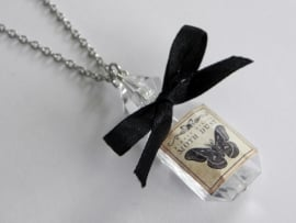 "Magic Bottle Ketting ""Moth Dust"""