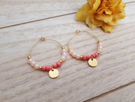 "Oorbellen ""Beaded Hoops With Coin"" Coral / Goud"
