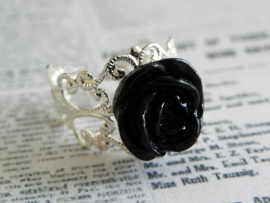 "Ring ""Black Rose"" met zwart roosje"
