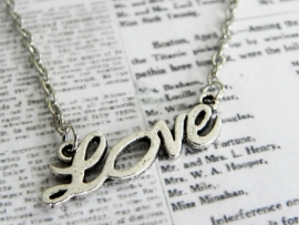 """Ketting """"Love Is Forever"""""""