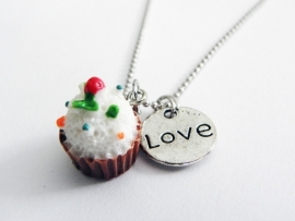 "Ketting ""I Love Brown Cupcakes"""