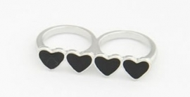 "Ring ""Black Hearts"" Zilverkleurig"
