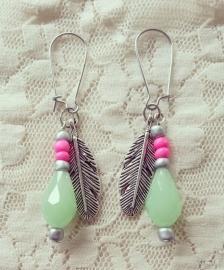"""Oorbellen """"Mint Feather"""" Zilverkleur"""