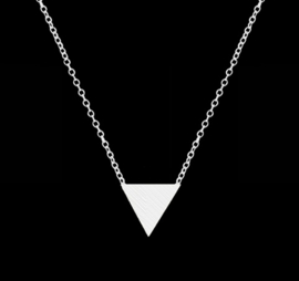 """Ketting """"Small Triangle"""" Silver Plated of Gold Plated"""
