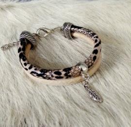 """Leren Armband """"The Feathered Snake"""" (ook leverbaar met andere bedels)"""