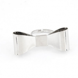 """Ring """"Silver Bow"""""""