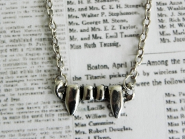 "Vampire Diaries Ketting ""Vampire Fangs"""