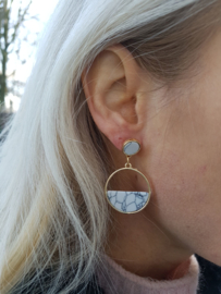 "Statement Oorbellen ""Marble Hoops"" Wit"