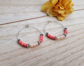 "Oorbellen ""Beaded Hoops""  Coral / Zilver"