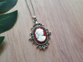 """Camee Ketting """"Wine Red Lady"""""""