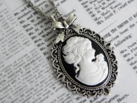 "Camee Ketting ""Black Lady"""