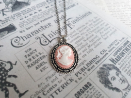 "Camee Ketting ""Those Were The Days"" Roze"