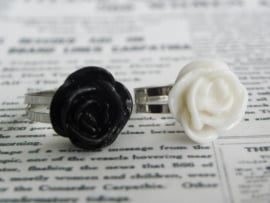 "Ring ""Budget Rose"" Zwart of Ivoor"