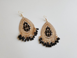 "Grote Oorbellen ""Gold With Black Beads"""