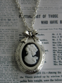 "Medaillon Ketting ""Locked Lady"" verzilverd"