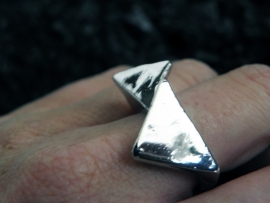 "Ring ""Love Triangle"""
