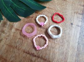 "Ringen Set ""Cream, Pink & Red"" 5 stuks"