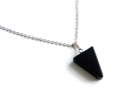 "Ketting ""Black Stone Triangle"""