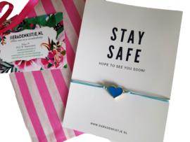 """Armband Met Kaartje """"Stay Safe / I Just Miss You"""" Keuze Uit Twee Soorten"""