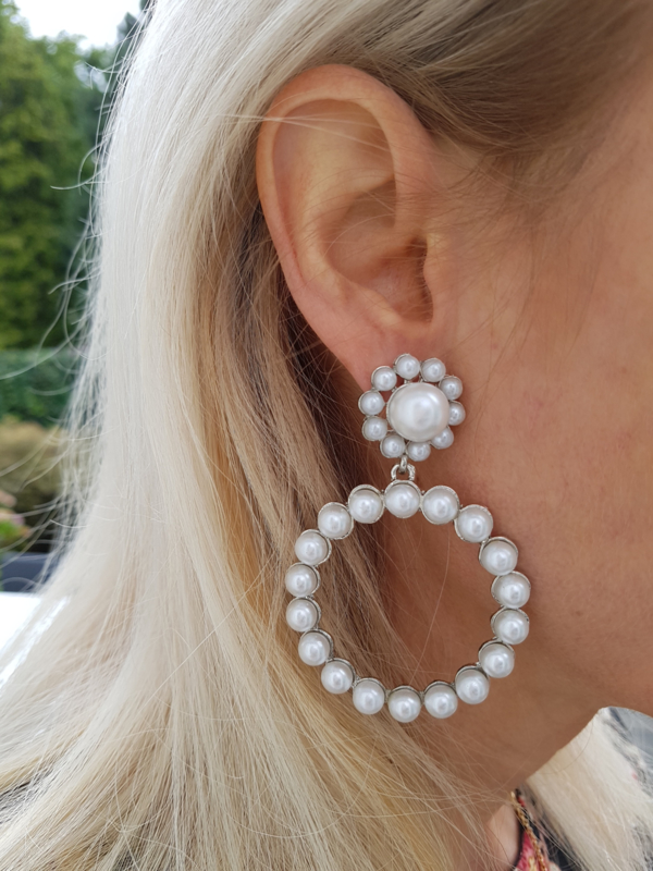 "Statement Oorbellen ""Pearly Hoop"""