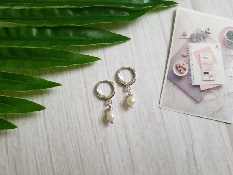 """Parel Oorbellen """"Small Pearls"""" Zilver"""