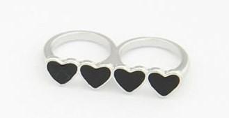 """Ring """"Black Hearts"""" Zilverkleurig"""