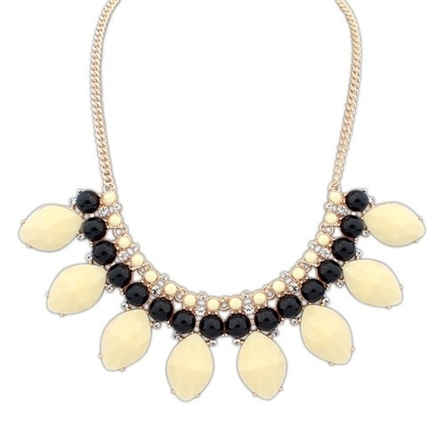 "Statement Ketting ""Cream & Black Elegance"""