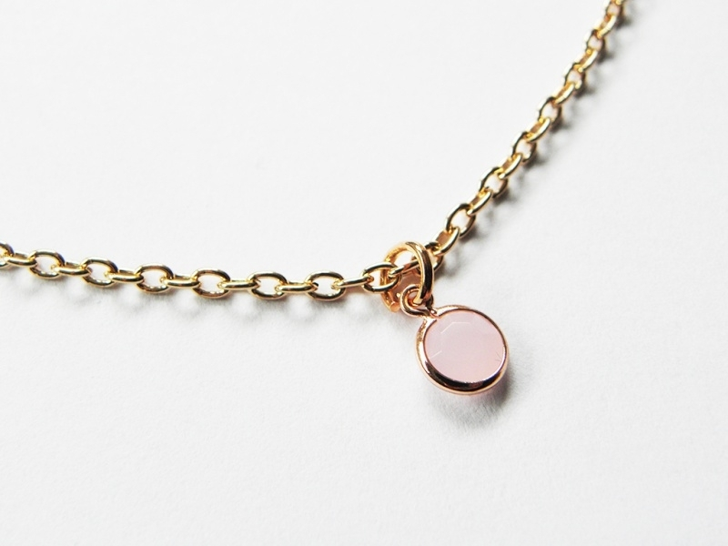 "Ketting ""Tiny Light Pink Stone"""