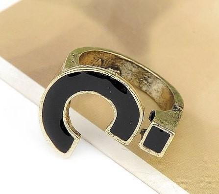 """Ring """"Question Mark"""" Zwart"""