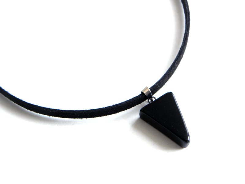 "Choker Ketting ""Black Stone Triangle"""