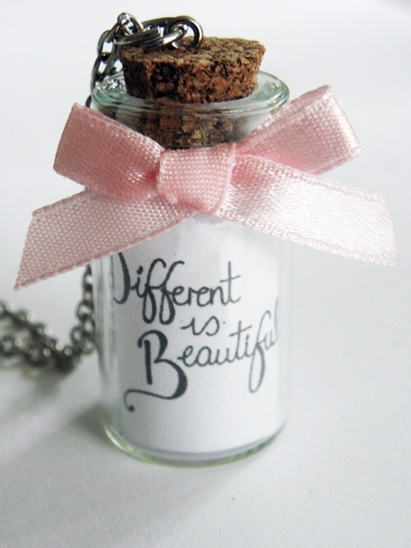 """Bottle Ketting """"Different Is Beautiful"""""""
