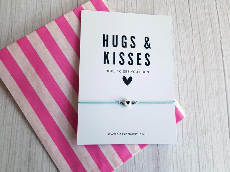 """Wish Armband Met Kaartje """"Hugs & Kisses"""" Keuze uit veel kleuren"""