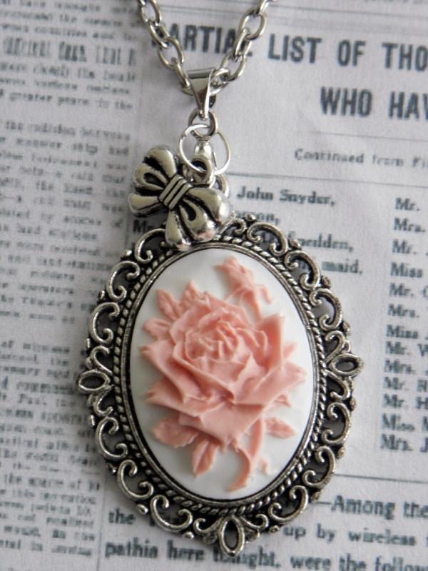 "Camee Ketting ""Pink Rose"""