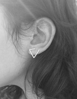 """Oorbellen """"Triangle"""" in Zilver- of Goudkleur"""