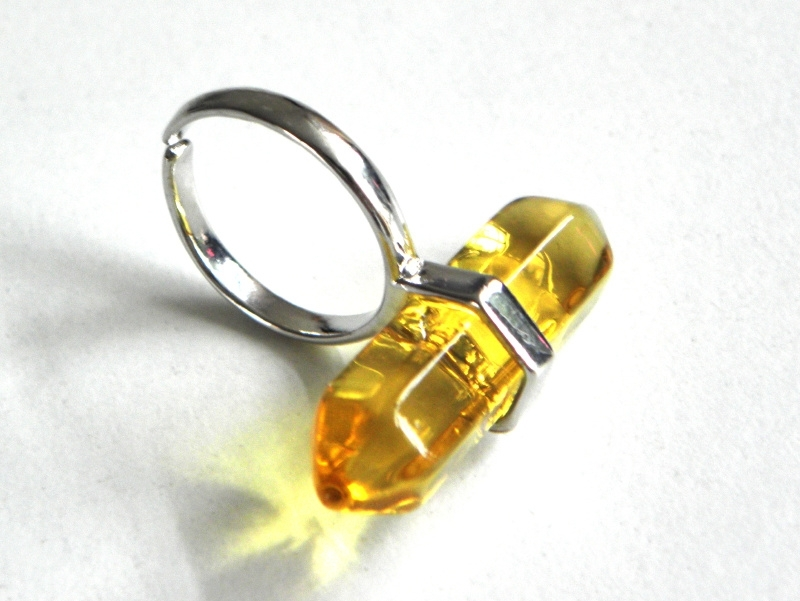 """Ring met (Glazen) Steen """"Yellow Bullet"""""""