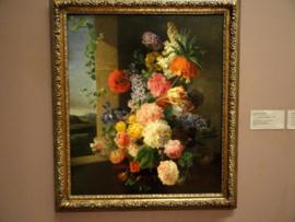 Bloemen voor een raam