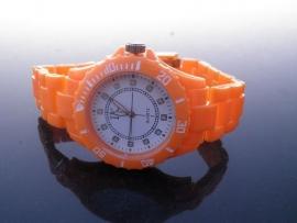 Horloge. Oranje! Nieuwe Trend!