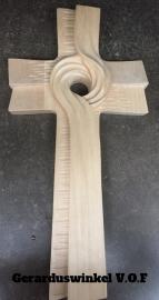 Linden houten kruis.