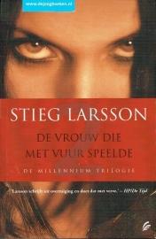 Larsson, Stieg - De vrouw die met vuur speelde