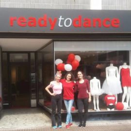 Nieuwe gevelreclame bij Ready to Dance!