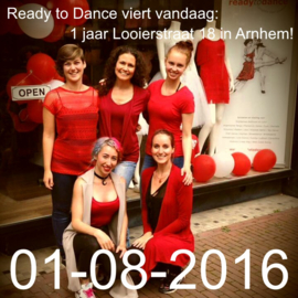 Ready to Dance 1 jaar Looierstraat!
