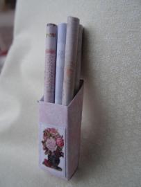 Doosje met rolletjes cadeaupapier (zelf maken)