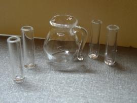 Glazen kan met 4 drinkglazen (glas)